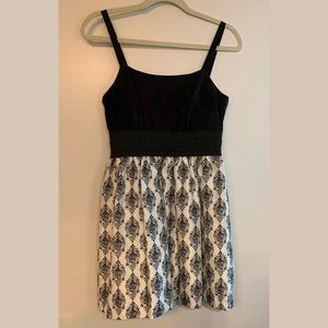 Empire Waist Black & White Dress. Mini length.